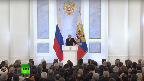 Putin encourages officials to engage in dialogue with the peopl